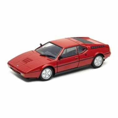 Modelauto bmw m1 1987 rood schaal 1:24/18 x 7 x 5 cm