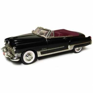 Modelauto cadillac series 62 coupe deville 1 43