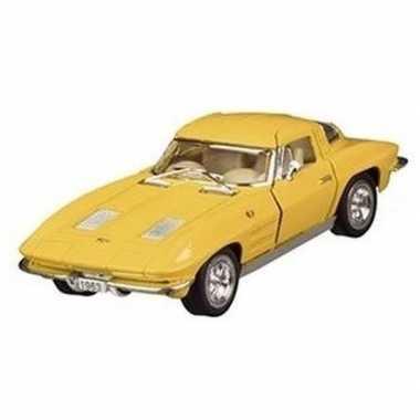 Modelauto chevrolet corvette geel 13 cm