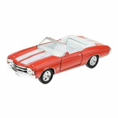 Modelauto chevrolet oldtimer 1971 chevelle rood 1:34