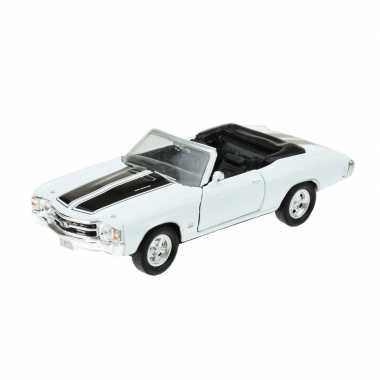 Modelauto chevrolet oldtimer 1971 chevelle wit 1 34