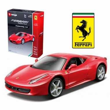 Modelauto ferrari 458 italie rood race & play kit 1:32
