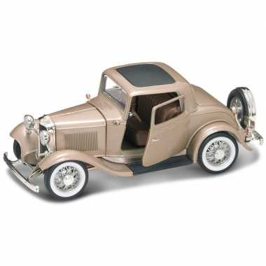 Modelauto ford coupe 1932 1:18