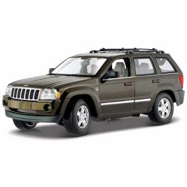 Modelauto jeep grand cherokee 1:18