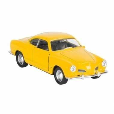 Modelauto karmann-ghia coupe geel 11 cm