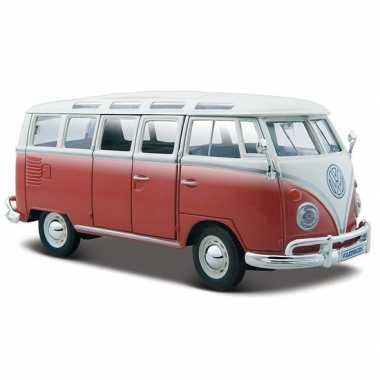 Modelauto volkswagen t1 samba rood 1:24